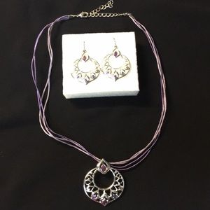 Jewelry - Necklace and earrings set